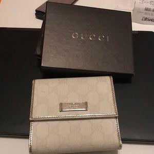 White Gucci wallet